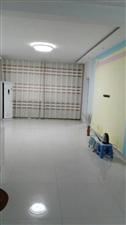 建设小区,附近超市学校,交通便利。五楼,南北通透,主房面积95平米,赠送17平储藏室,两室两厅一卫,...