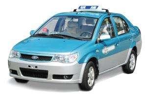 夏利牌小型轎車