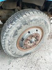 900钢丝轮胎