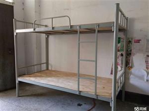 便宜出售少量先生宿舍用的铁床,联络德律风5212282