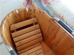 竹子浴桶 ,八九成新,买时一千五百多没怎么用,嘎嘎新,有意者打电话18724263133