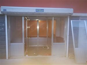 车库内隔断铝合金门窗