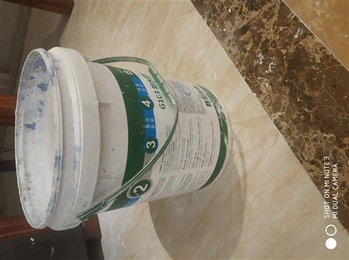 大量收购这样的塑料桶,有的联系我18184422076,我可以来拉
