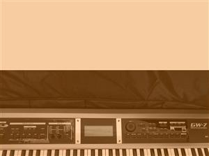 牌子罗兰GW-7八九成新,质量好,音质好!