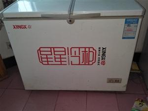 星星冰柜出售,买去来没有怎么用,买新的两千多,现在便宜卖了800元