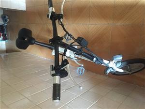 九骏电动自行车保修期到18年12月
