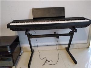 雅马哈电钢琴p115b主机+可升降Z架+单踏板,淘宝价3400,现在低价出售。9.5成新,买来一年5...