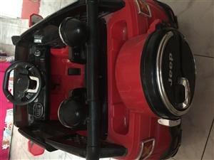 出售一辆小孩玩的电动越野车,买了一个月就开了2次,遥控控制,功能七彩灯,音乐,摆动,充一次电能开8个...