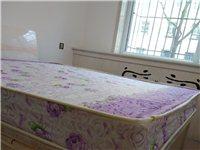 九成新床垫,1.8*2.0米,买回来几乎没用,闲置,品牌床垫