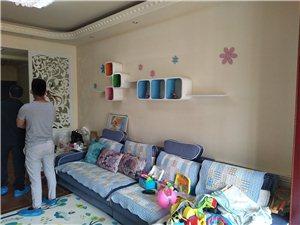 急售新区水体公园旁景观贵都3室2厅2卫89.8万元