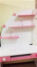 出售九层新的全友家私床和书柜一套,低价出售价格面议