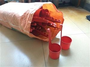 二手兔笼,立体三层,12个笼位,可以关48个兔子,9成新,原价330一组,现170转让
