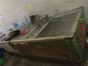 超大冷冻柜一个,近3米长,