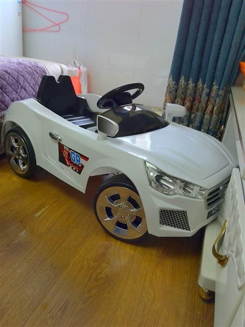 遥控电动儿童赛车 九五成新,自家宝宝就做过两次,现在宝宝长大了,想出手。 非常适合喜欢坐摇摇车的...