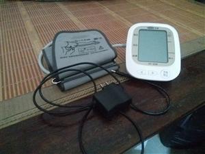 9成新可浮自动血压计 超精准 家里备用
