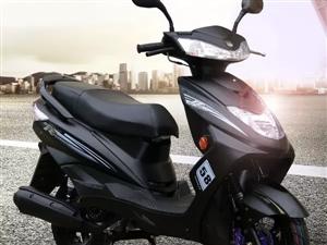 全新前几天刚买的有发票合格证2400出,今天又买了辆车所以卖了,女士摩托车不是电瓶车