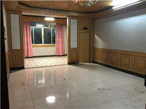 朝阳路南小区8室2厅3卫1200元/月