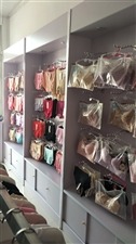 内衣展示柜九成新。