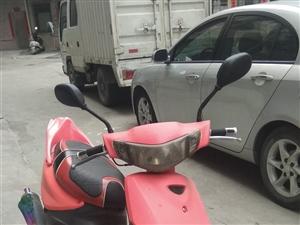 便宜出售鬼火摩托车一台,有力,易起动,省油,因需要换男装摩托,超低价出售。欲购电联或加微信,河婆内看...
