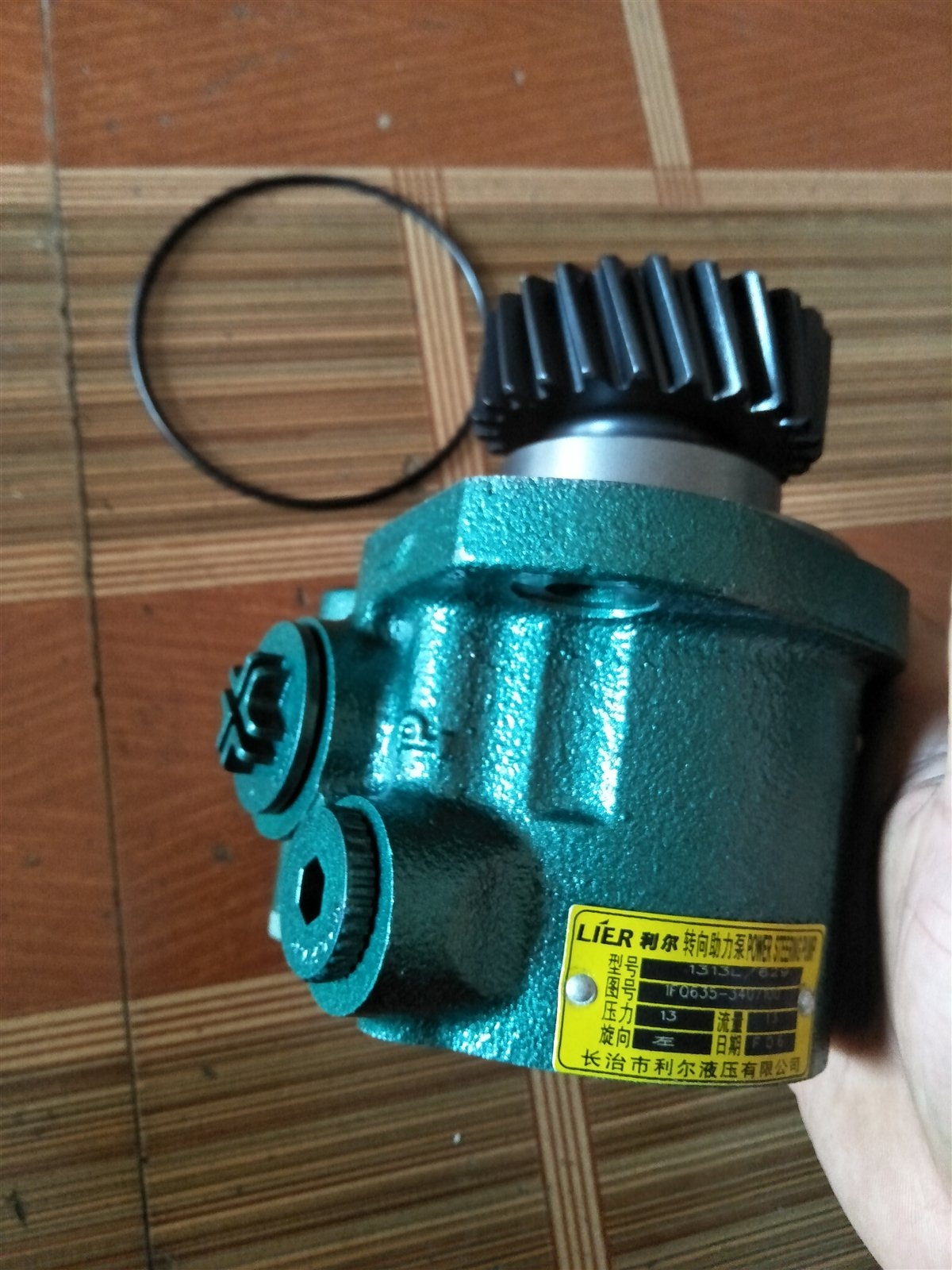 卖客货车方向机,助力泵,齿轮泵,油缸