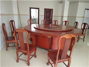大旋转台 椅子出售 可以坐20多个人 有意者来电