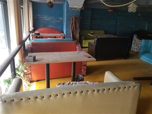 沙發桌椅板凳低價處理使用時間段成色新用得上的朋友趕緊聯系
