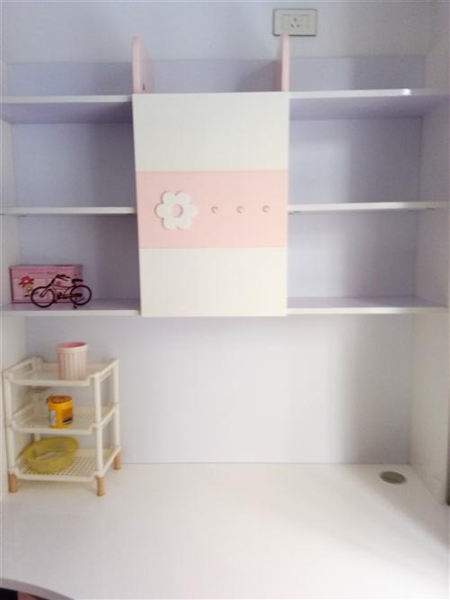 儿童转角写字台,9成新,粉色,非常漂亮