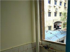 澳门网上投注网址县第三人民医院旁2室1厅1卫600元/月