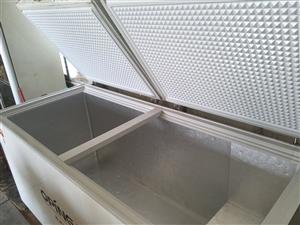 498L大容量冰柜,制冷效果好,八成新,现低价处理,价格可轻微浮动。