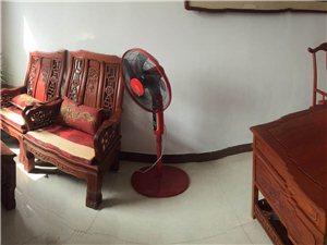 九成新办公红木家具一套