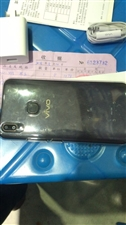 vivo Y85黑色全面屏 全网通手机4+64全新 配件齐全未使用