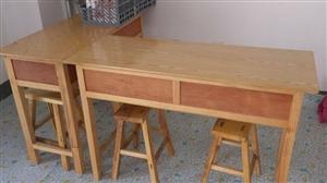 低价处理一批学生课桌双人桌,需要的尽快。电话18753153568