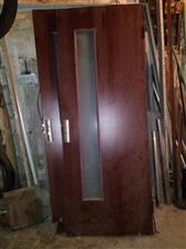 低价转让九成新木制门30扇,价格每扇20元。
