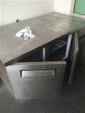 出售台式大冰柜一个电话13693826304