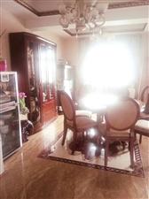 五岳广场3室2厅2卫82.8万元