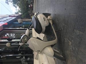 金沙国际网上娱乐电动车一辆,车况很好,前面外壳都才换,小巧时尚!值得购买!