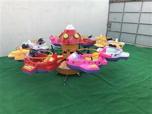 出售:18平的决明子沙池,一边是决明子一边是海洋球(带决明子300斤还有一些玩具以及滑滑梯),8座旋...