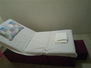 本店有二手洗脚按摩床六张及棉被床单和一张沙发出售。面议