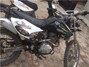 高赛摩托车自用,因长时间出门没空玩,出售有意者联系,非诚勿扰!
