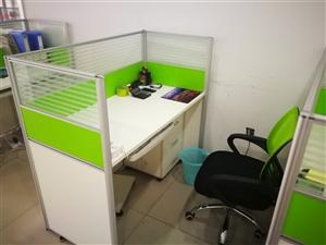 现因公司撤店,低价打包处理一批办公家具,预购从速,联系电话18847508333