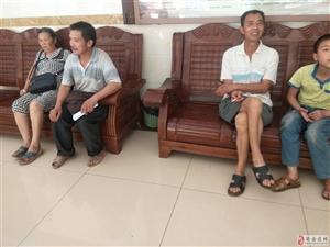 中医院的医生3点还不上班,这么多别人等起在,就没有哪个部门来管一下下呢?