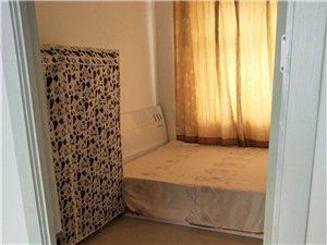 鑫山花园3室1厅1卫600元/月