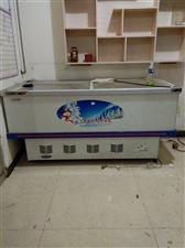 出售二手冰柜一个,九称新,长2米宽90,联系电话13731252105