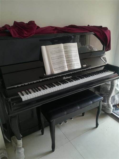 低價出售二手鋼琴,九成新,因小孩無興趣繼續學習,現忍痛低價轉讓,價格面議。可上門看貨。