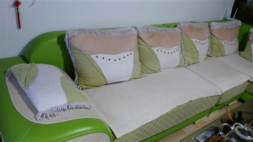 沙發因換新處理,長3.25米有雙人座1.85米,單人座60cm,貴妃床90cm.*1.75m,價格便...