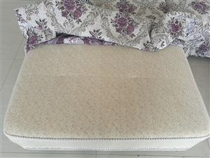 一套九成九新沙发,四加一,五件套!带着沙发套,要的密!17692935454