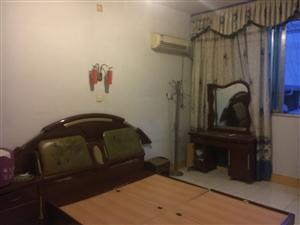 文同小学对面3室1厅1卫18万元