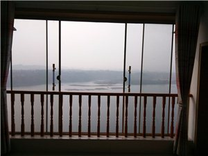 阳光水岸旁3室2厅1卫25万元