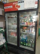 出售二手保鲜柜2000元,大冰箱1500元,货架子50元一个(可单卖可整体)