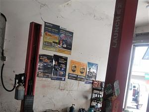 汽车维修设备店铺转让 因个人原因,汽车维修设备转让,拆胎机,举升机,打起泵7,5KW,修复机,拖顶...
